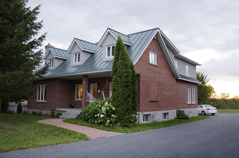 Une canadienne la campagne maconnerie saint pierre - Maisons canadiennes ...